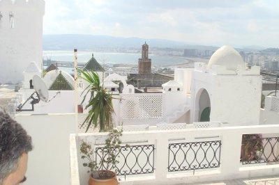Une vue de TANGER ,de la terrasse de la maison d`hotes