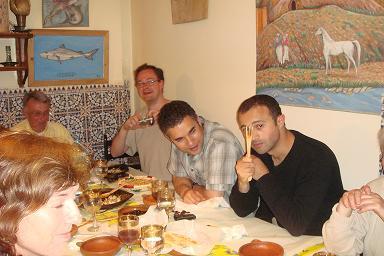 Un bon diner marocain et beaucoup d`ambiance